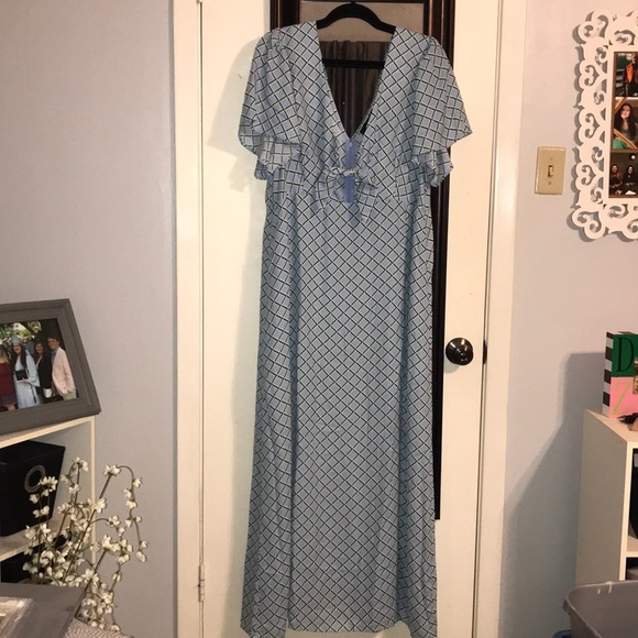 Forever 21 Dresses & Skirts - Forever 21+ Maxi Tie Top Dress